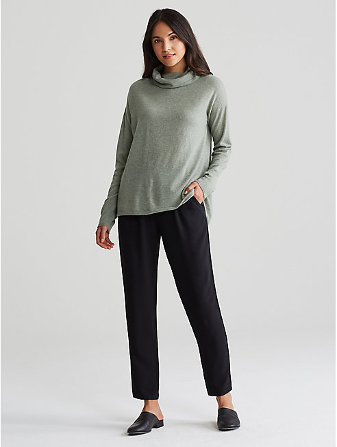 Seamless Italian Cashmere Cowl Neck Box-Top