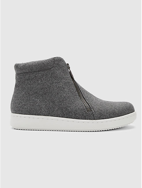 Bias Fleece Sneaker