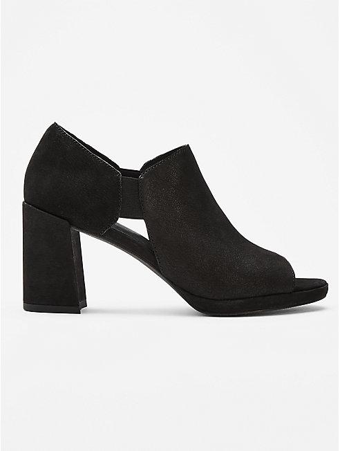 Milton Nubuck Shoe