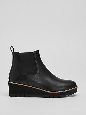 Cozy Shearling Bootie in Leather