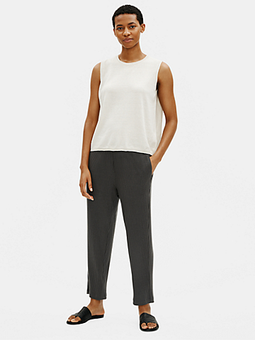 Textured Stretch Rib Tapered Ankle Pant