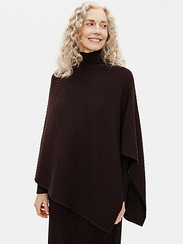 Merino Poncho in Regenerative Wool