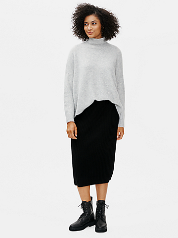 Merino Pencil Skirt in Regenerative Wool