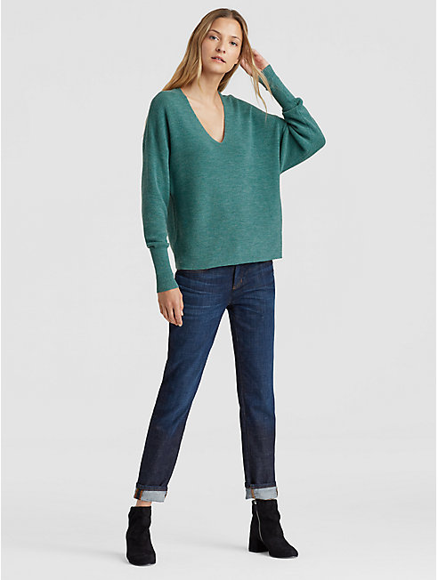 Fine Merino V-Neck Box-Top