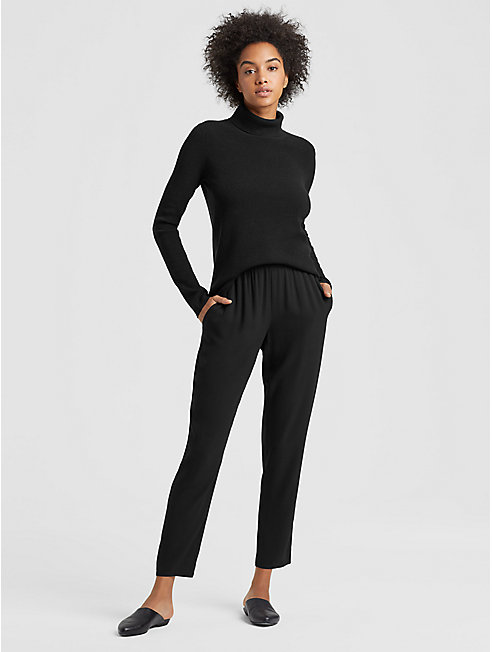 Luxe Merino Stretch Turtleneck