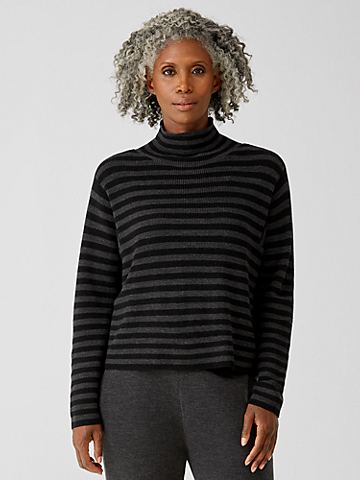 Merino Turtleneck Box-Top in Regenerative Wool