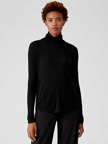Lightweight Rib Scrunch Neck Top